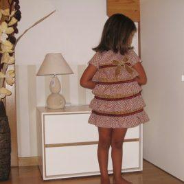 Vestido borgoña de KAULI , invierno 2013