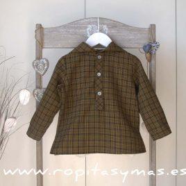 Camisa marrón y capucha de MIA Y LIA, invierno 2017