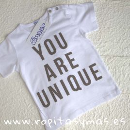 "Camiseta  ""you are unique"" de ANCAR, Verano 2018"