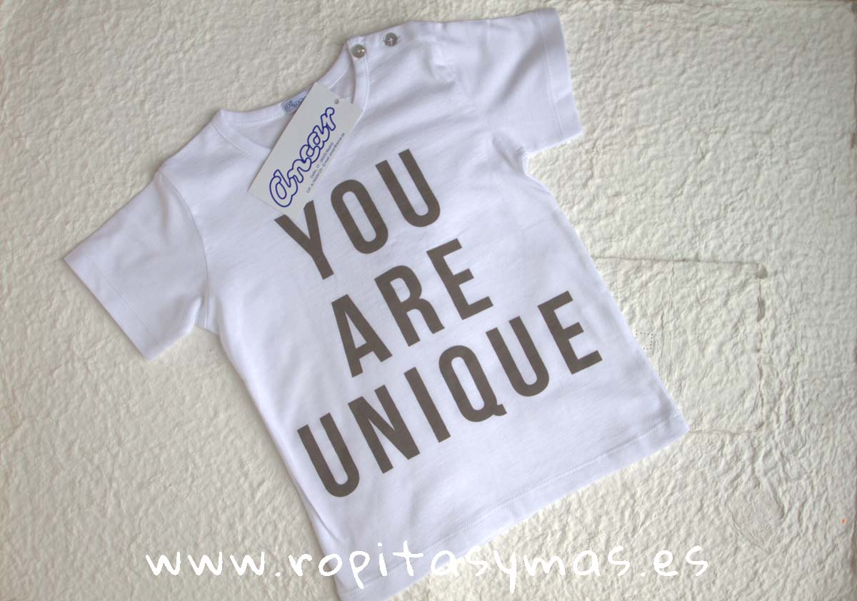 """Camiseta """"you are unique"""" de ANCAR"""