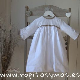 Vestido blanco manga larga y pasamanería de ancar, verano 2018