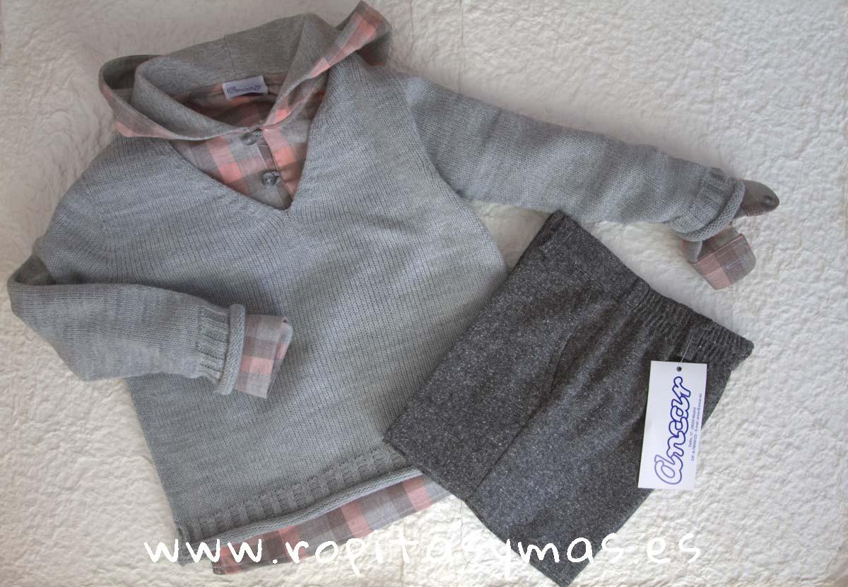 Jersey pico gris jaspeado, Camisa capucha cuadros grises y rosas y Pantalón corto tweed gris oscuro de ANCAR