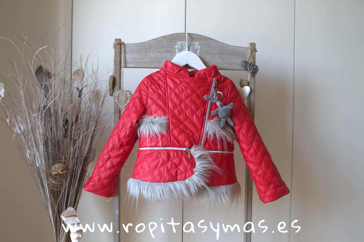 Cazadora roja acolchada pelo YOUNG&CHIC de KAULI