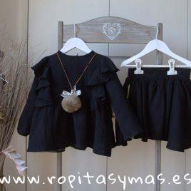 Falda negra y oro de MIA Y LIA, invierno 2018