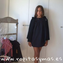 Chaqueta negra con capucha de MIA Y LIA, invierno 2018