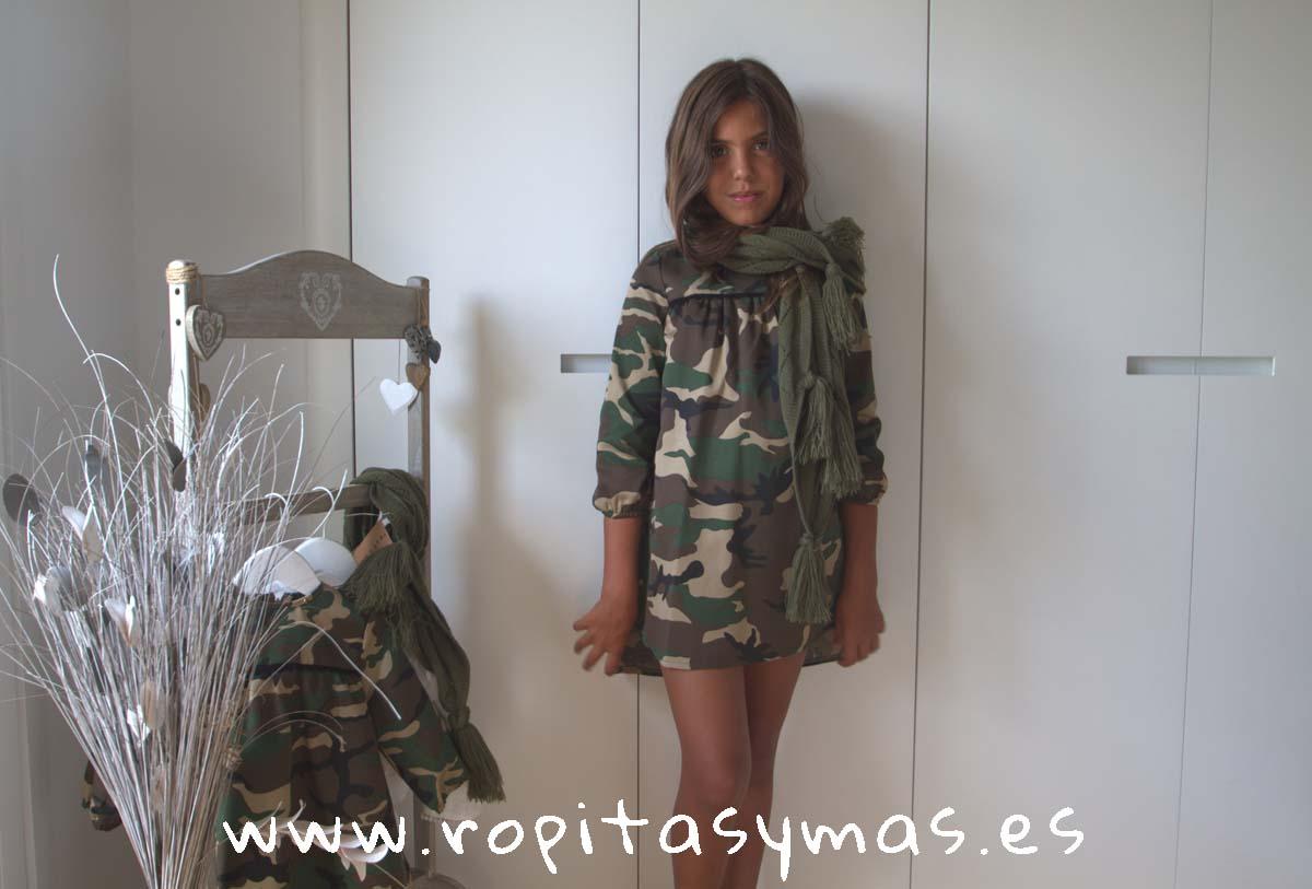 Vestido camuflaje y Bufanda trenzada y borlas kaki de MIA Y LIA