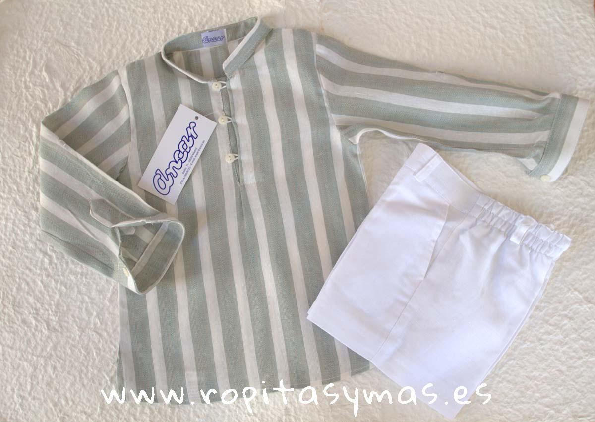Camisa verde rayas mao ojal y Pantalón corto blanco de ANCAR