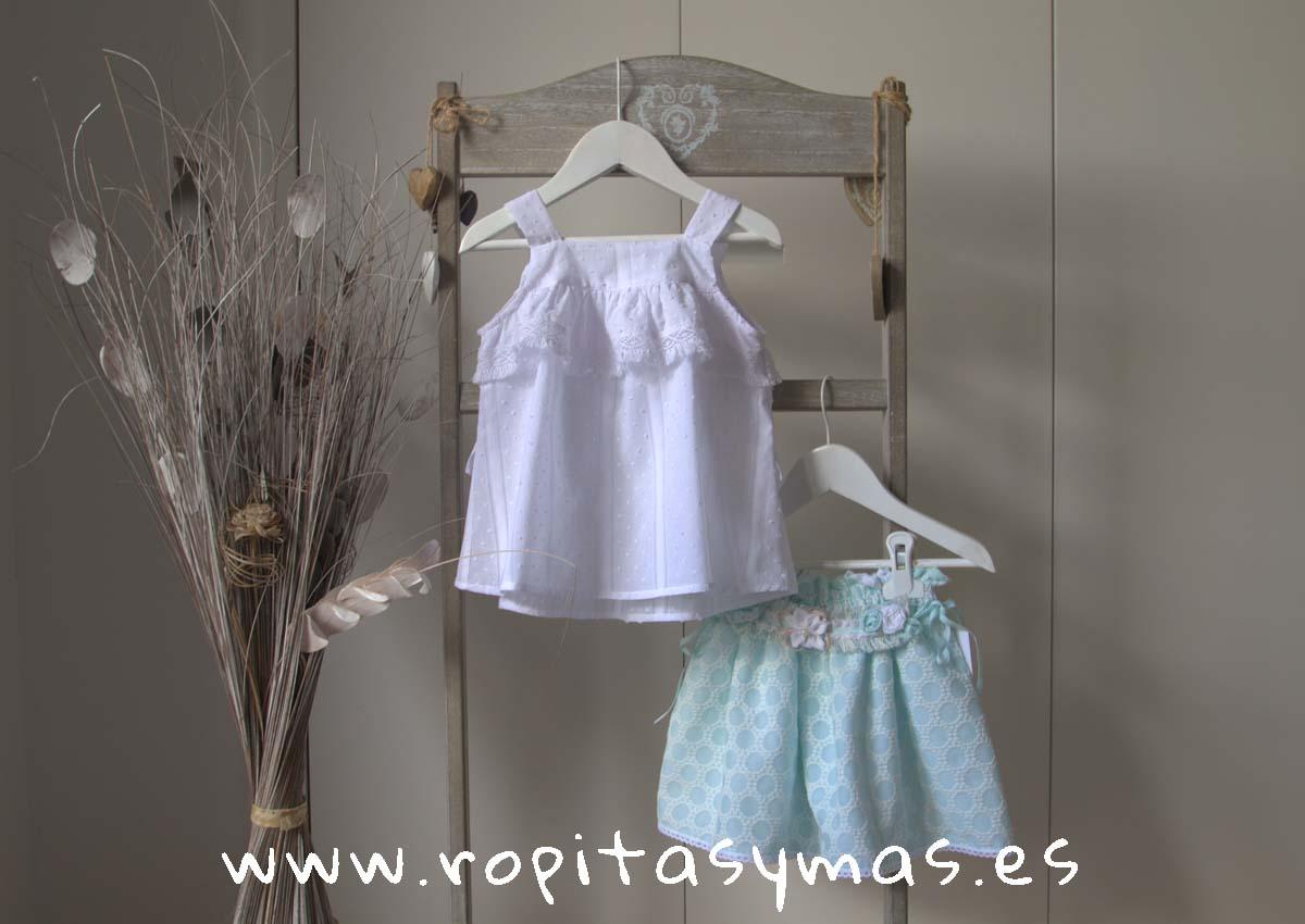 Blusa blanca plumeti tirantes y Falda verde agua CIES de KAULI