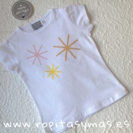 Camiseta blanca estrellas de MON PETIT BONBON, verano 2019