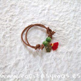 Pulsera calavera, pompón rojo y bolitas verdes de MIA Y LIA, verano 2019