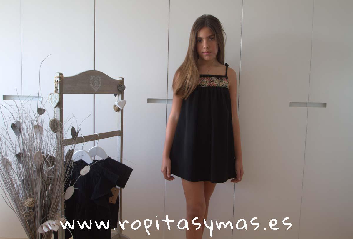 Vestido étnico negro de MIA Y LIA