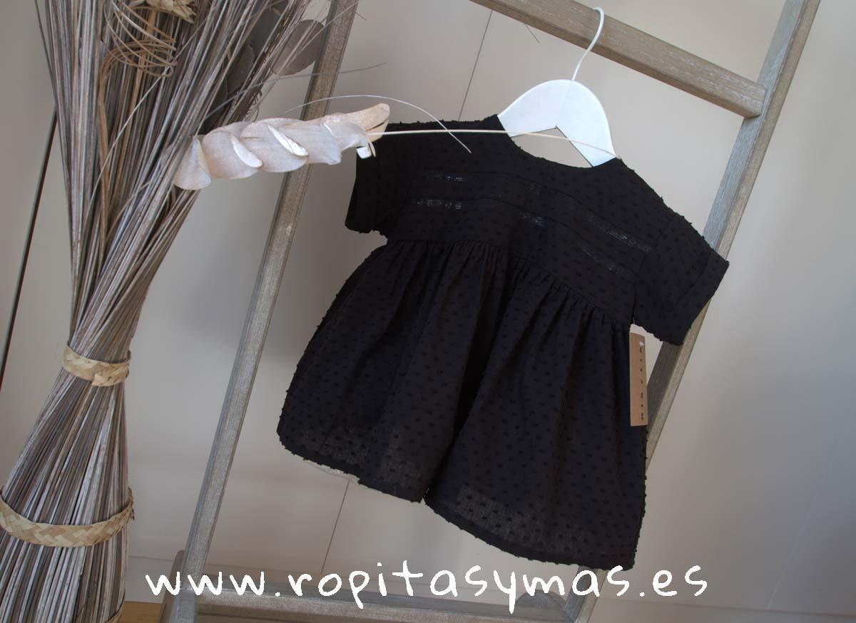 7b6f750c0 Blusa negra plumeti jaretas de MIA Y LIA