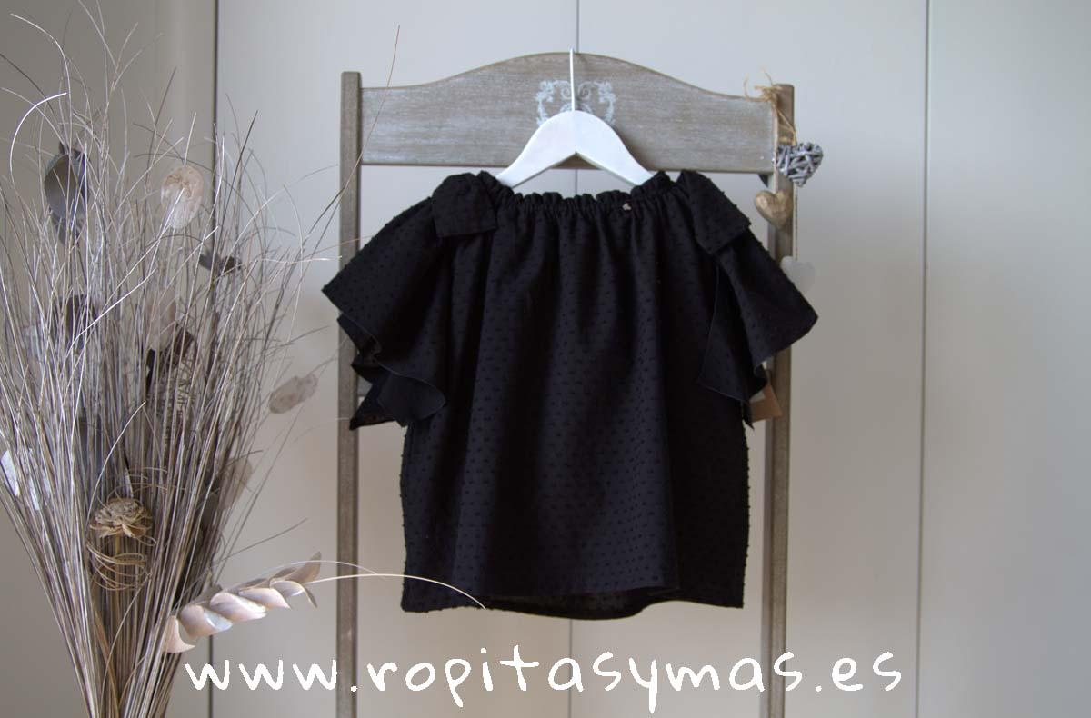 e3c9a1258 Blusa negra plumeti volantes de MIA Y LIA