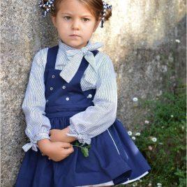 Conjunto falda azul y blusa milrayas OCÉANO de NOMA, invierno 2019