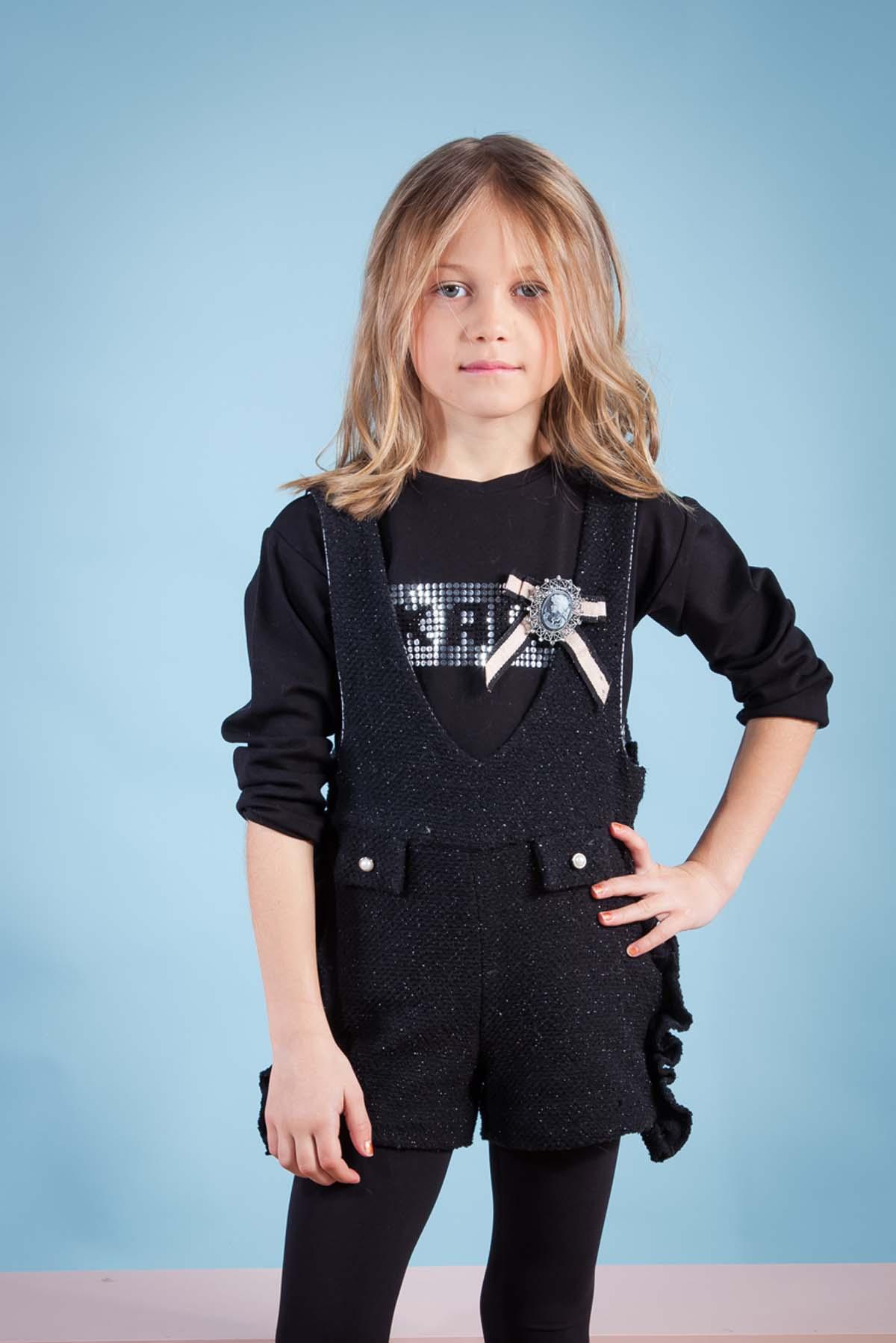 Camiseta negra niña y Peto negro corto COSMOS de KAULI