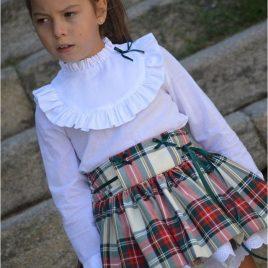 Conjunto falda tartán y blusa blanca JUNCO de NOMA, invierno 2019