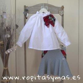 Blusa blanca ESCOCIA de MAMI MARIA, invierno 2019