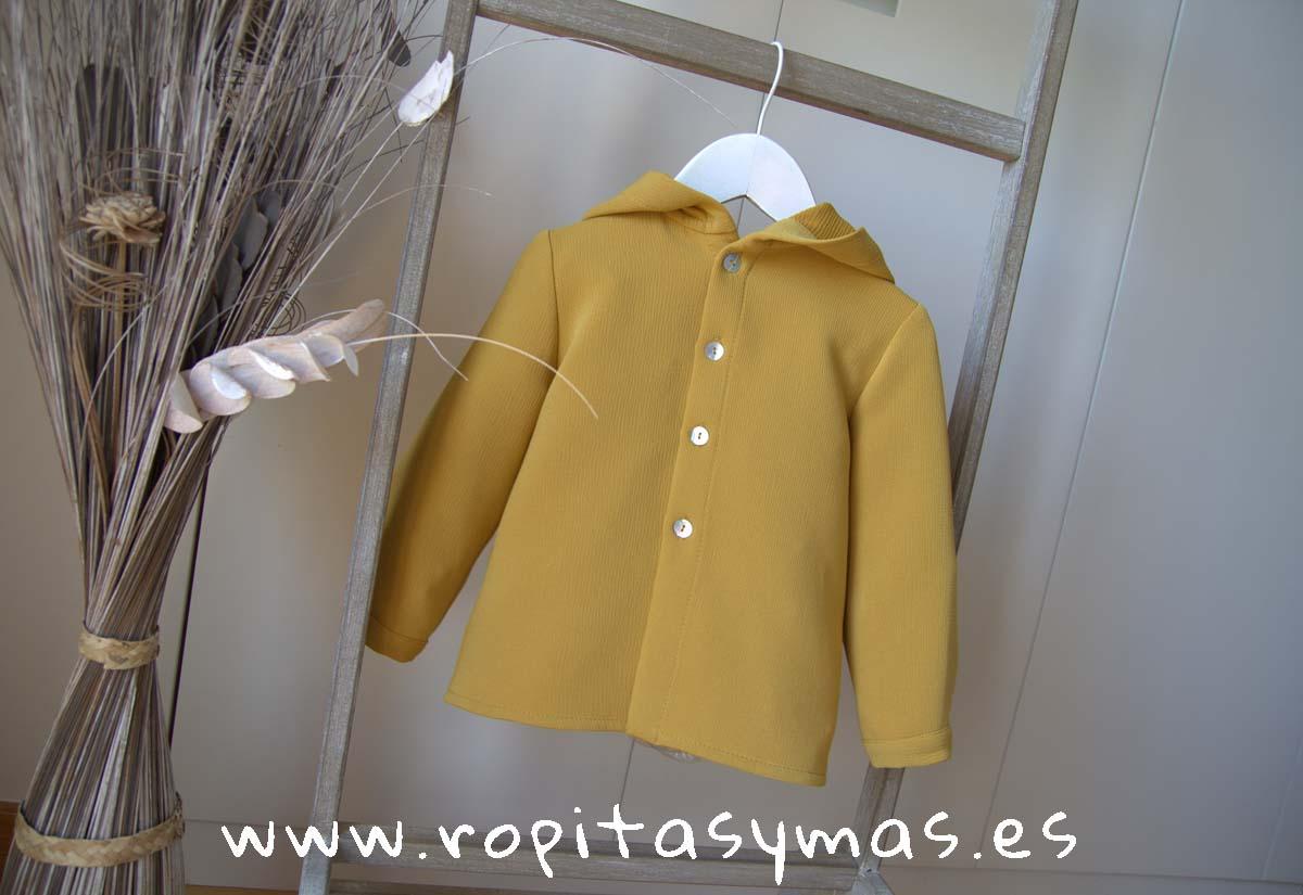 Camisa niño capucha mostaza de MIA Y LIA