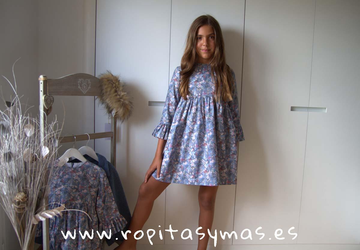 Vestido floral azul de MIA Y LIA