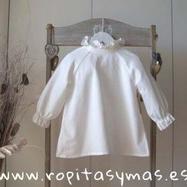 Blusa blanco roto ranglan de MIA Y LIA, invierno 2019