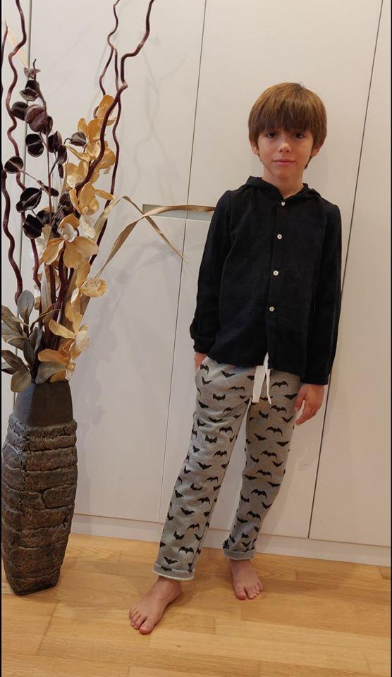 Camisa capucha bambula negra y Pantalón felpa MURCIELAGOS de MIA Y LIA