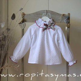 Blusa blanca AMORE de KAULI, invierno 2020