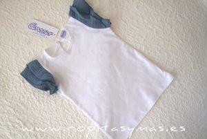 Camiseta blanca mangas azules de ANCAR