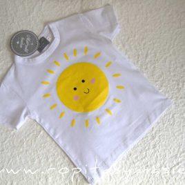 Camiseta blanca SOL niño de MON PETIT BONBON, verano 2021