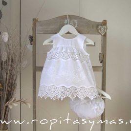 Conjunto bebé blanco bordado PASTEL de MARI CRUZ, verano 2021