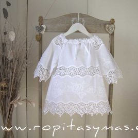 Kurta blanca bordada PASTEL de MARI CRUZ, verano 2021